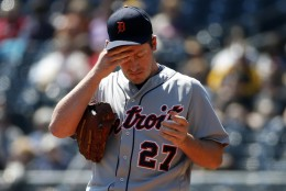 Detroit Tigers starting pitcher Jordan Zimmermann (27) collects himself on the mound during the first inning of a baseball game against the Pittsburgh Pirates in Pittsburgh, Thursday, April 14, 2016. (AP Photo/Gene J. Puskar)