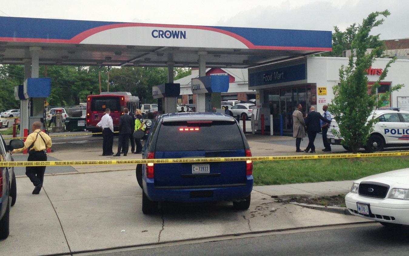 Hijacked Metrobus kills pedestrian in DC, 1 in custody