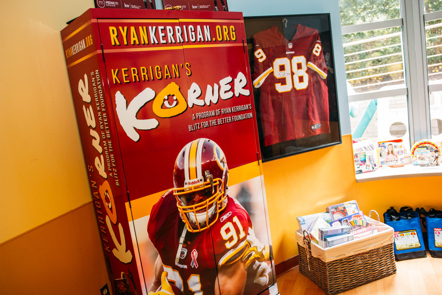 Included in the gift, the foundation decorated the teen lounge in the hospital with team memorabilia. (Courtesy Prolanthropy)