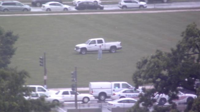 Man drives truck onto National Mall, claims he has anthrax