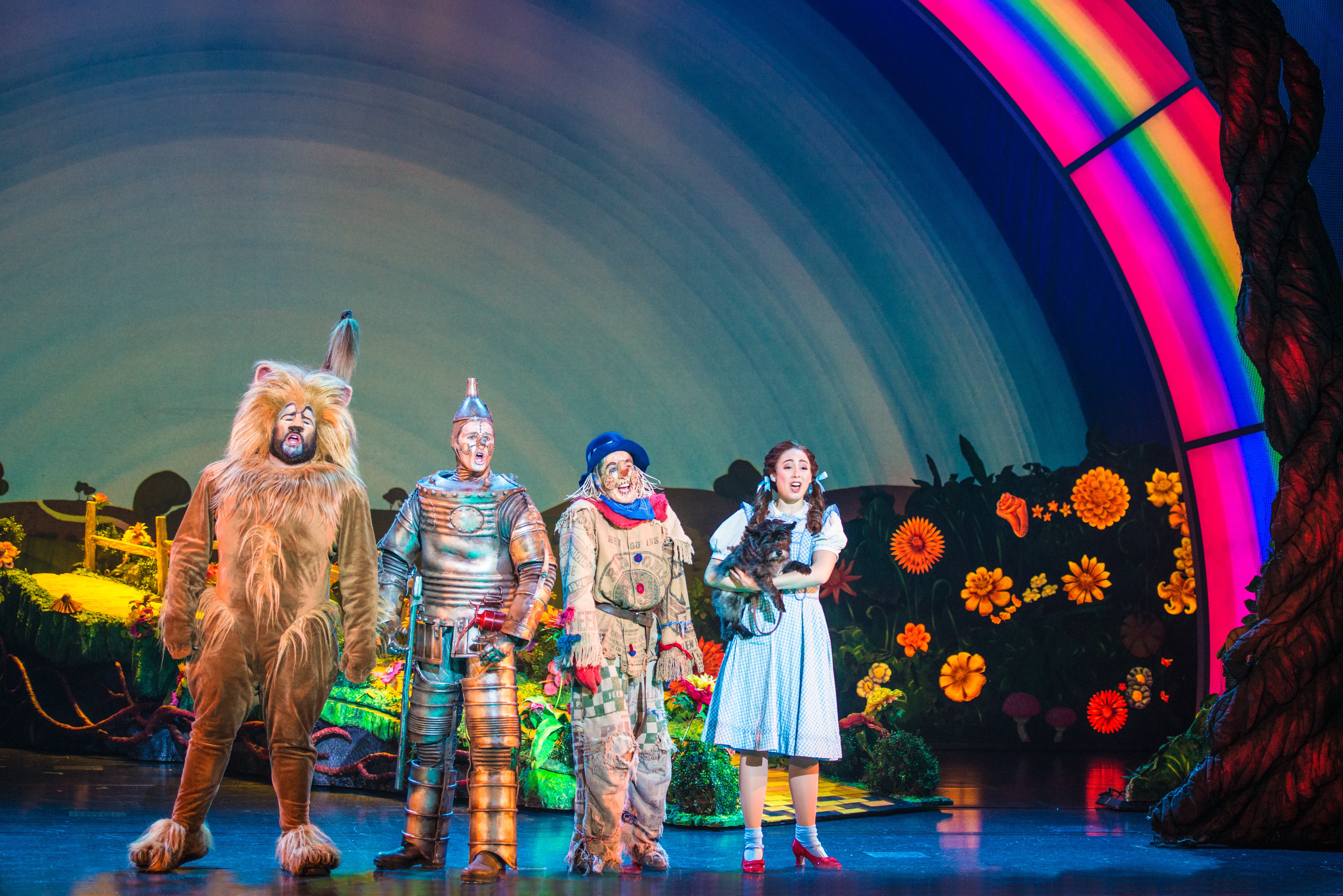 Rockville woman returns home to play Dorothy in National Theatre's 'Wizard of Oz'
