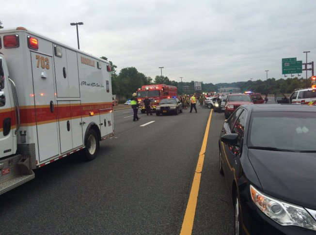 Mass. State Trooper, 4 others injured in crashes on I-93