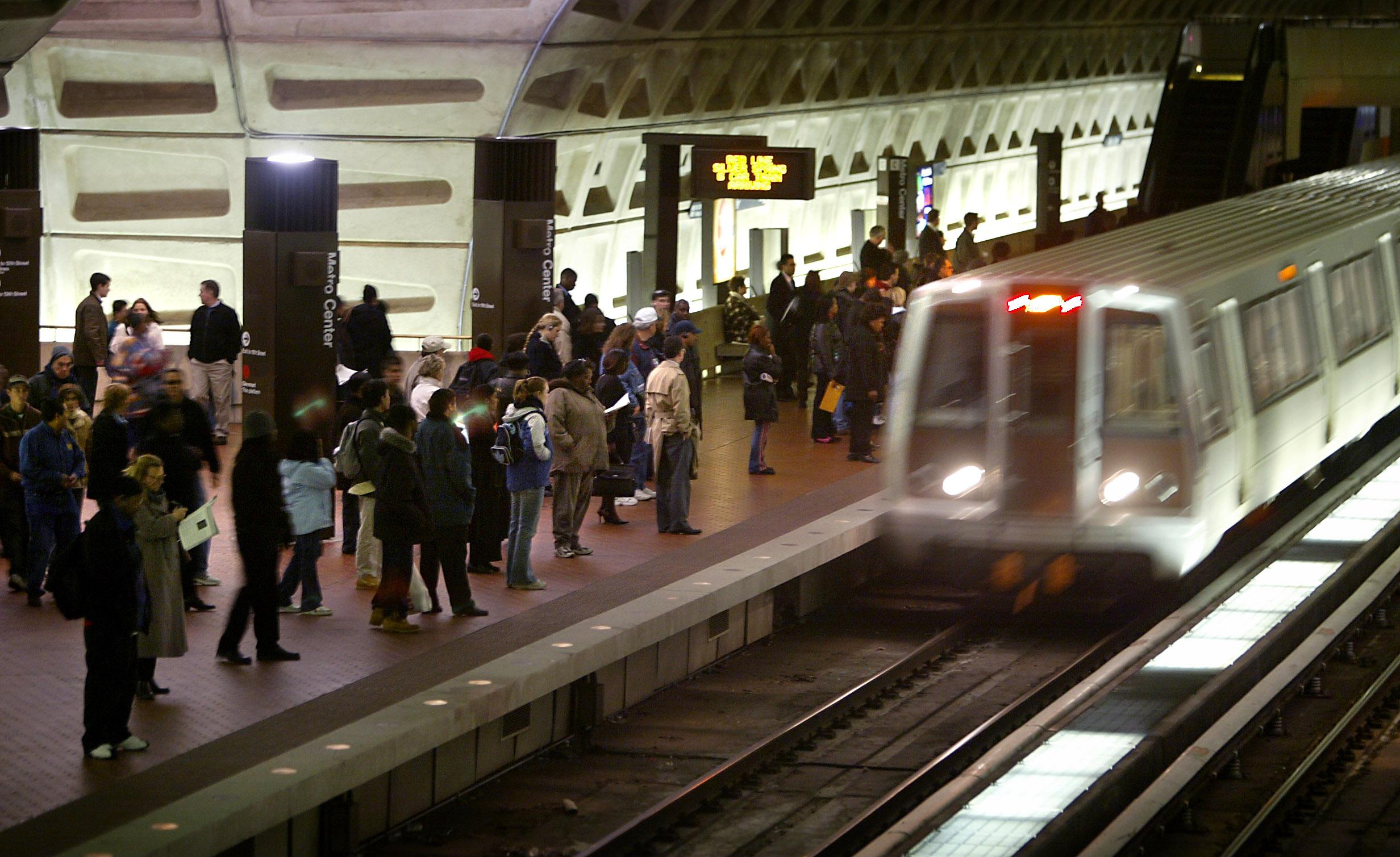 Metro eliminating 500 positions