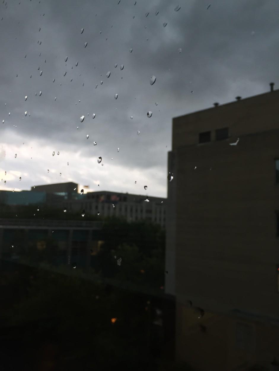 Dark clouds in Bethesda, Maryland on June 21, 2016. (Courtesy Rayna Goodman)