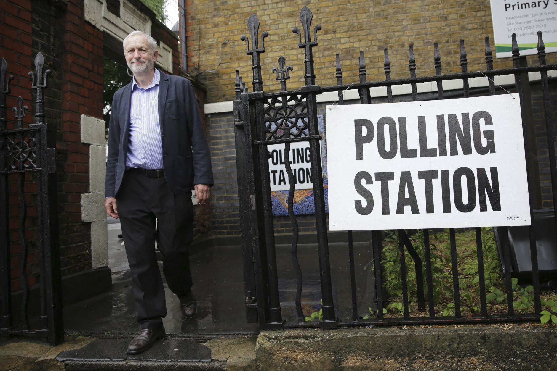 Britain's Labour Party leader Jeremy Corbyn leaves after casting his vote in the EU referendum at a polling station in Islington, London Thursday June 23, 2016. Voters in Britain are deciding Thursday whether the country should remain in the European Union. (Daniel Leal-Olivas/PA via AP) UNITED KINGDOM OUT - NO SALES - NO ARCHIVE