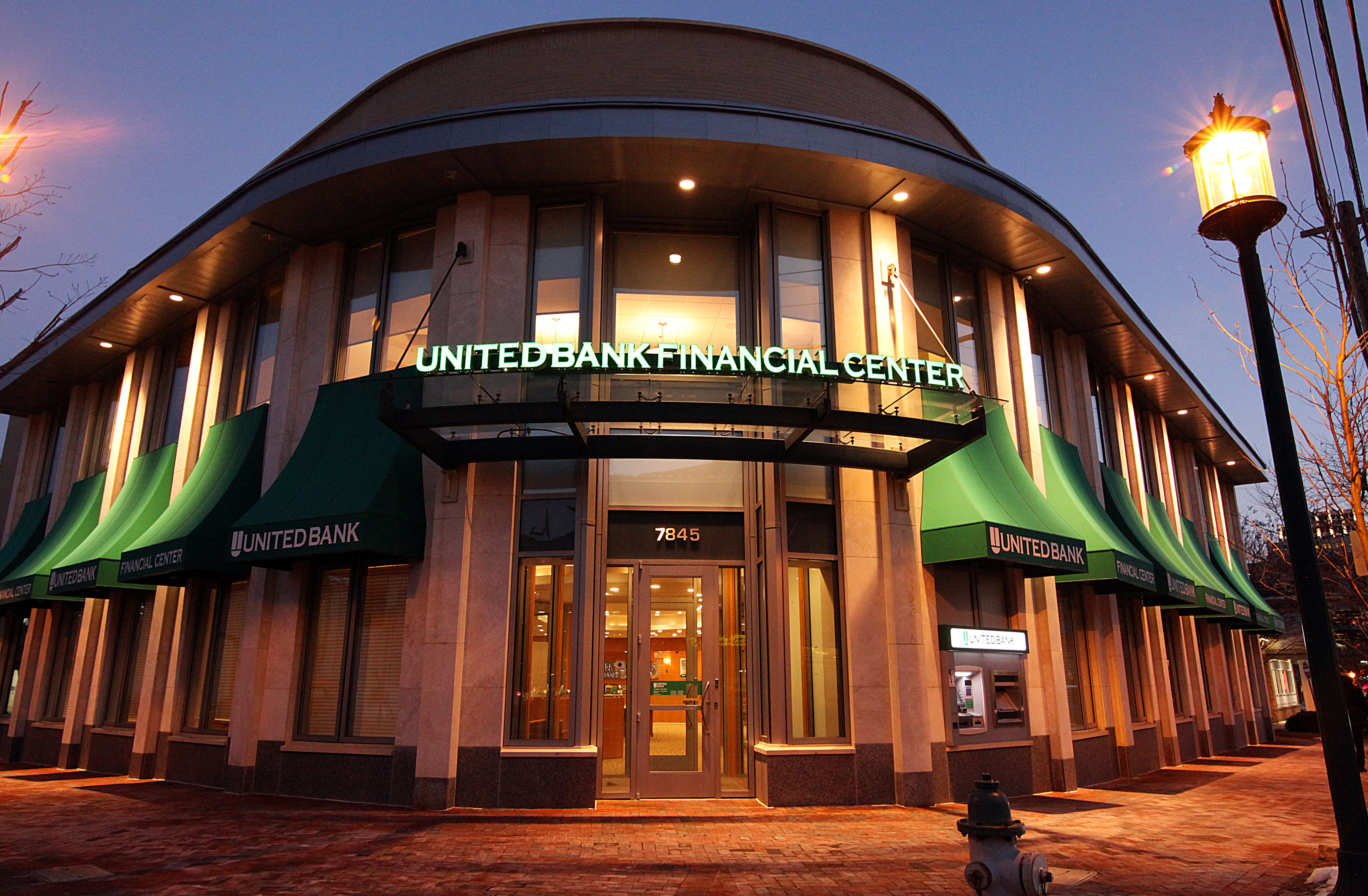 United Bank completes Bank of Georgetown acquisition