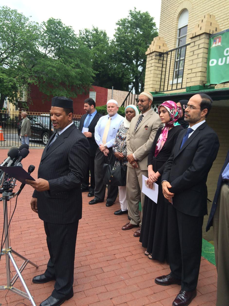 Imam Talib Shareef, president of Masjid Muhammad, and other American Muslim leaders. (WTOP/Dick Uliano)
