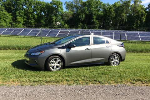 Redesigned Chevy Volt lets you range farther