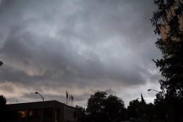 Darkened skies in Rockville, Maryland on June 21, 2016. (WTOP/Kate Ryan)