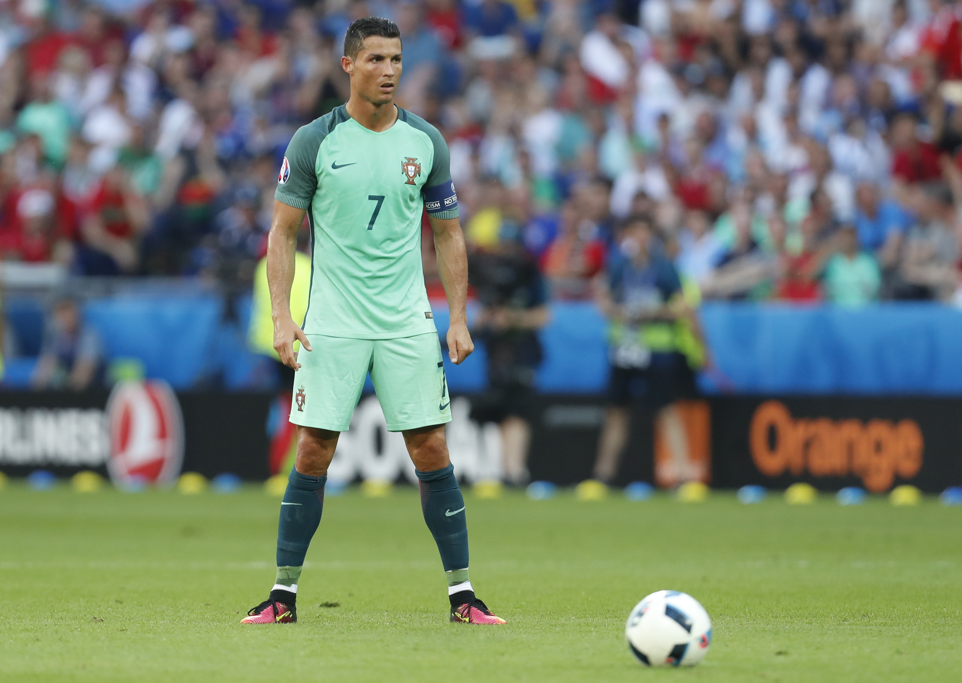 Ronaldo scores 2 in Portugal's 3-3 draw with Hungary | WTOP