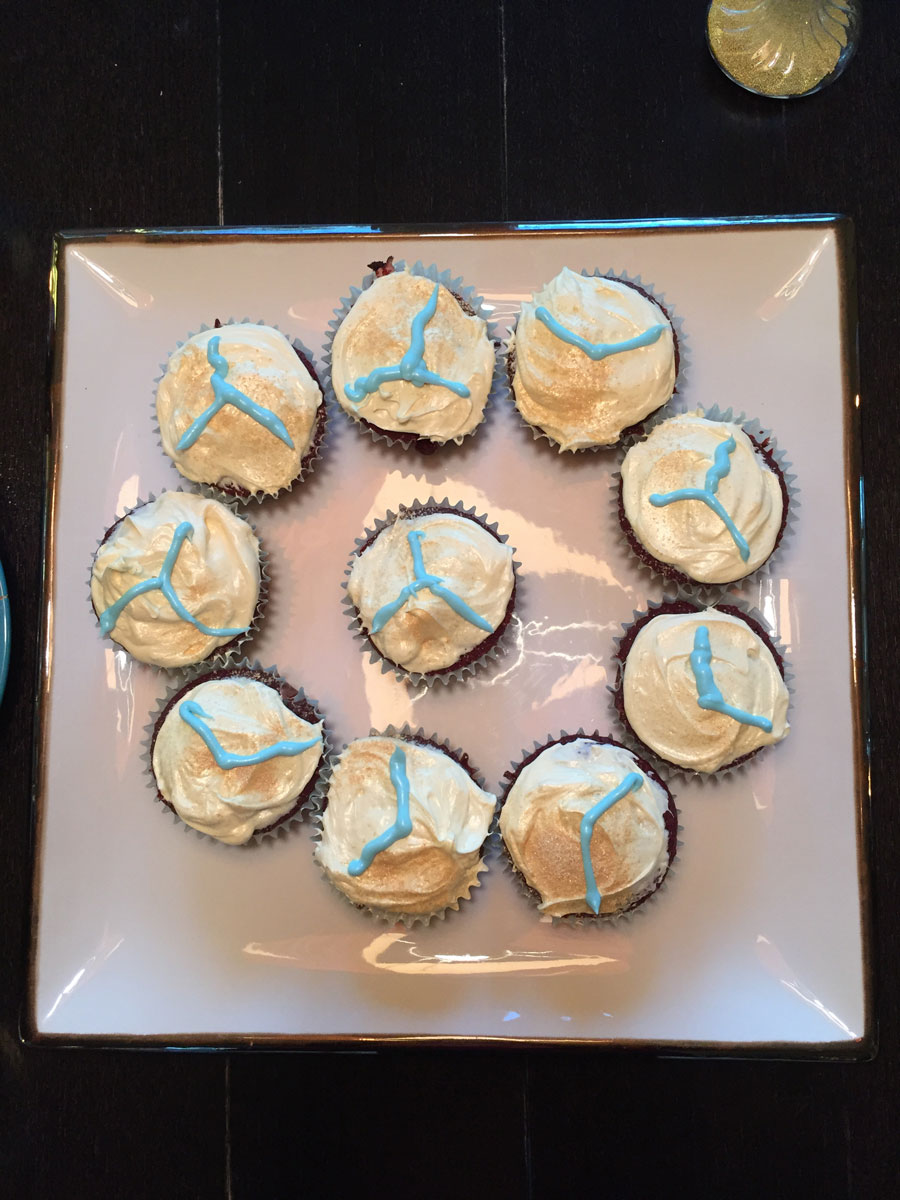 cupcakes decorated with icing squiggles meant to represent those matching scars, a reminder of the surgery that bound a child to her father in a very physical way, and saved her life. (Courtesy the Fawcett family)