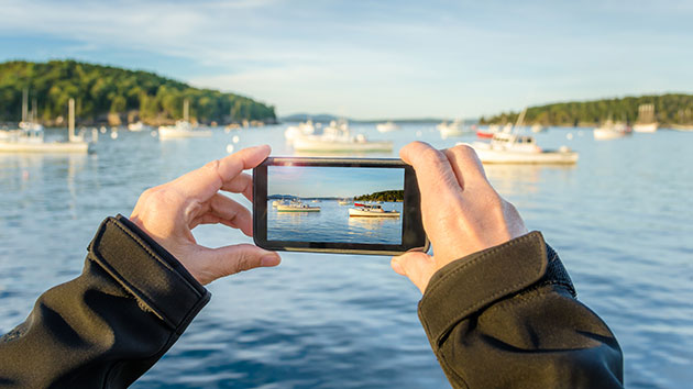 How to get paid for the photos on your smartphone