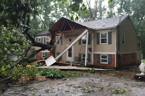 Fallen tree slices through Howard Co. home amid storms