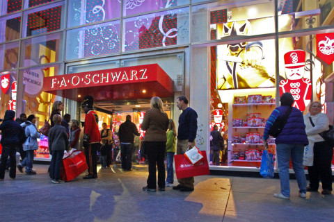 Under Armour to move into former FAO Schwarz store