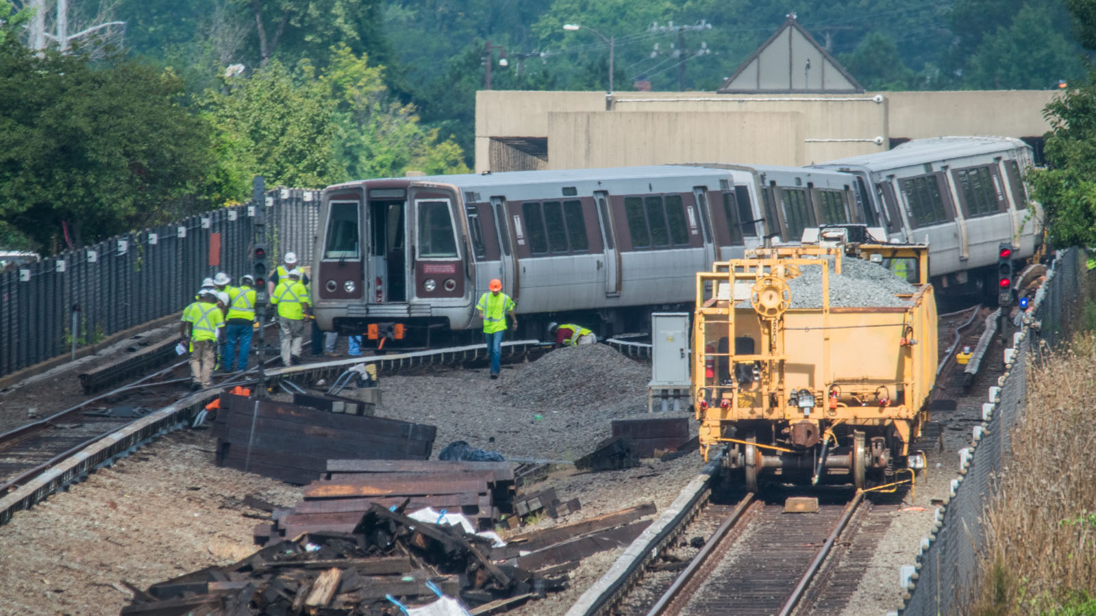 Photos of Metro derailment reveal history of troubled ...