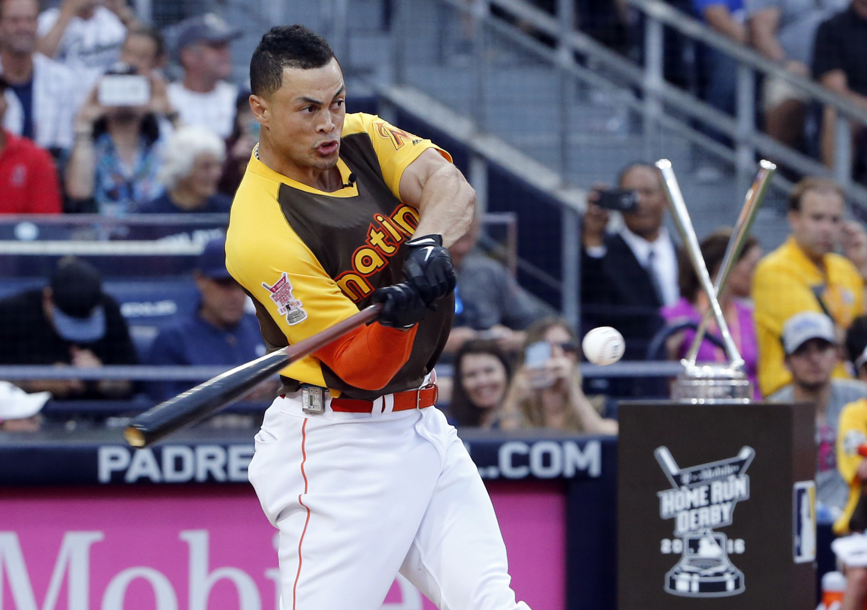 Giancarlo Stanton beats Frazier in All Star Home Run Derby