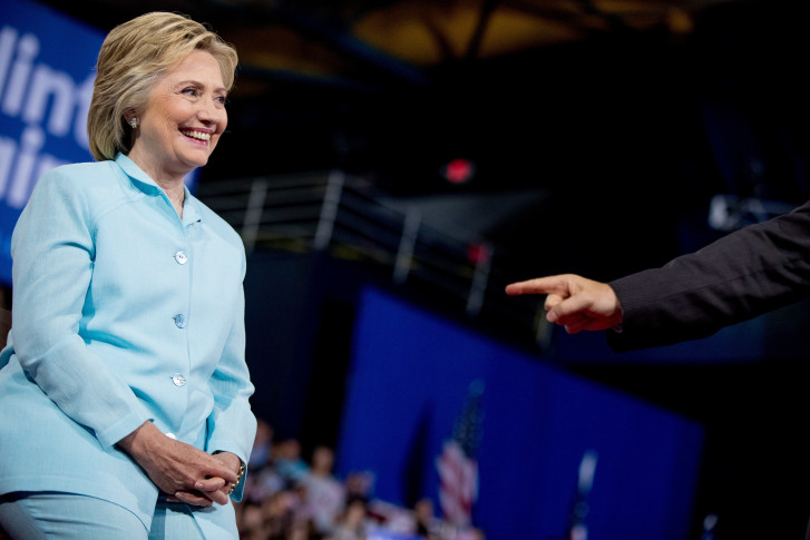 Clinton accepts Democratic Party presidential nomination