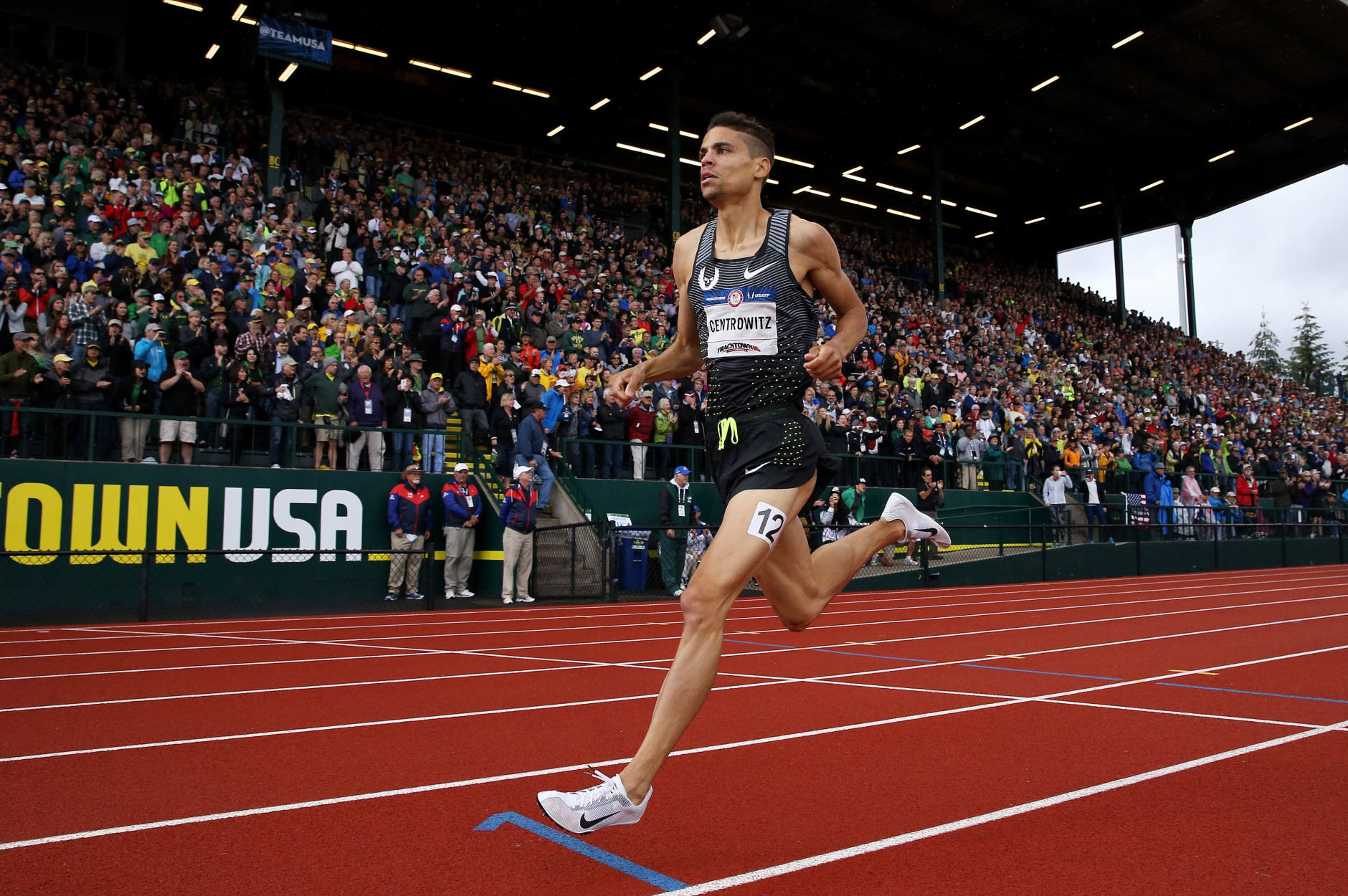 EUGENE, OR - JULY 10:  Matthew Centrowitz, first place, competes in the Men's 1500 Meter Final during the 2016 U.S. Olympic Track & Field Team Trials at Hayward Field on July 10, 2016 in Eugene, Oregon.  (Photo by Andy Lyons/Getty Images)