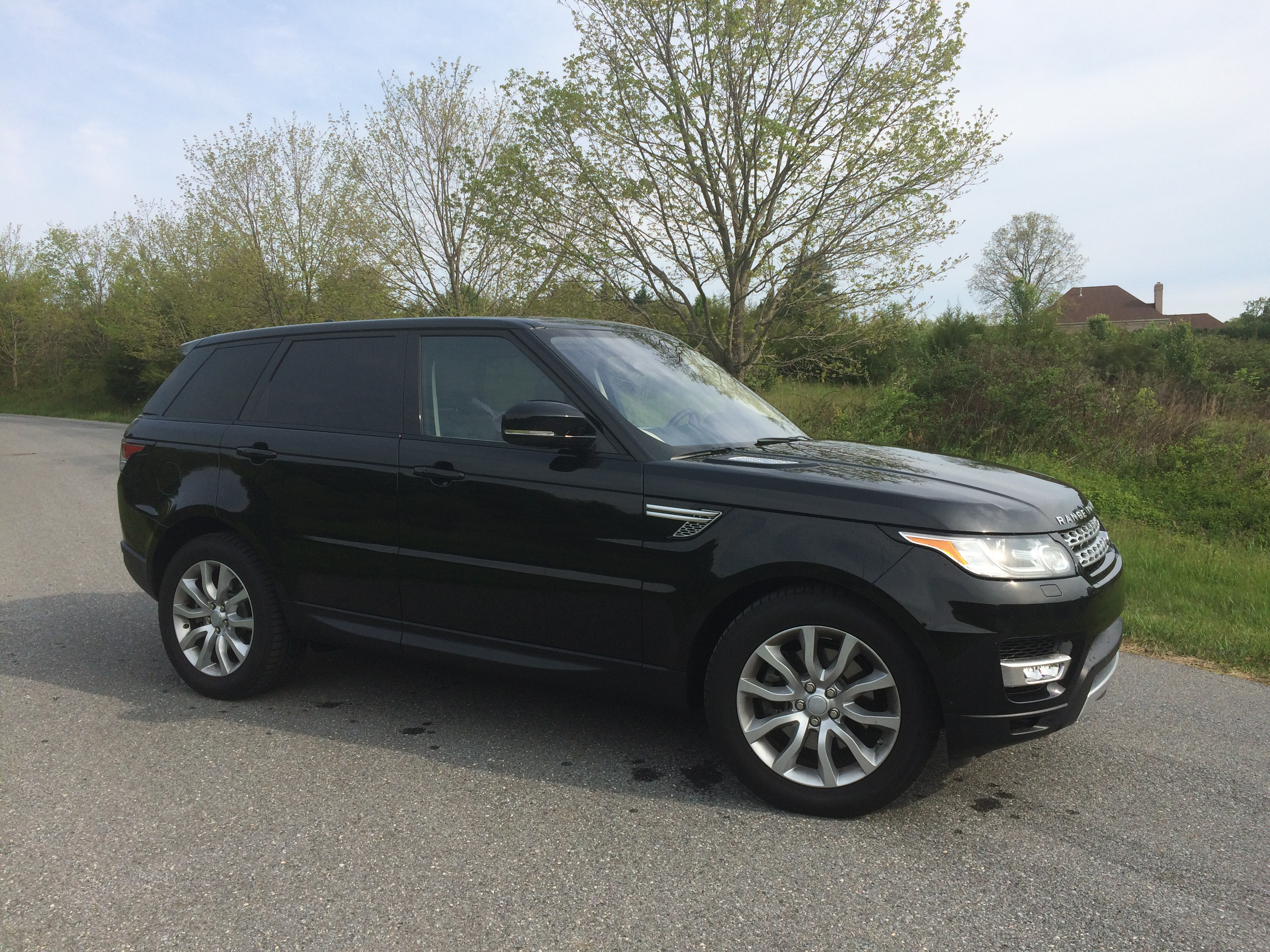 range rover sport hse td6 a luxury suv with good mpg for a price wtop. Black Bedroom Furniture Sets. Home Design Ideas