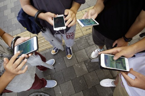 3 ways to put your old smartphones to better use