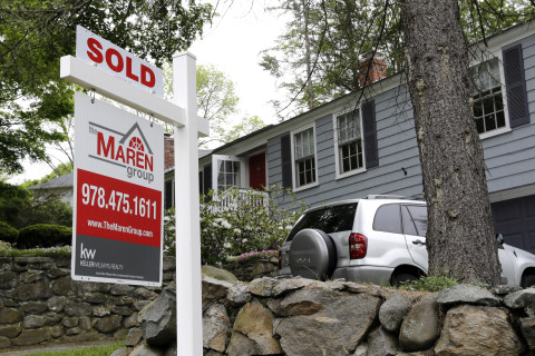 Home sales accelerate to a nearly 10-year high