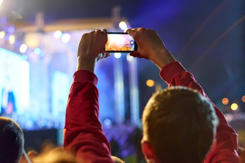 4 tips for taking photos of fireworks on smartphones
