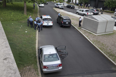 Suspect shoots at police during chase that prompts Capitol lockdown