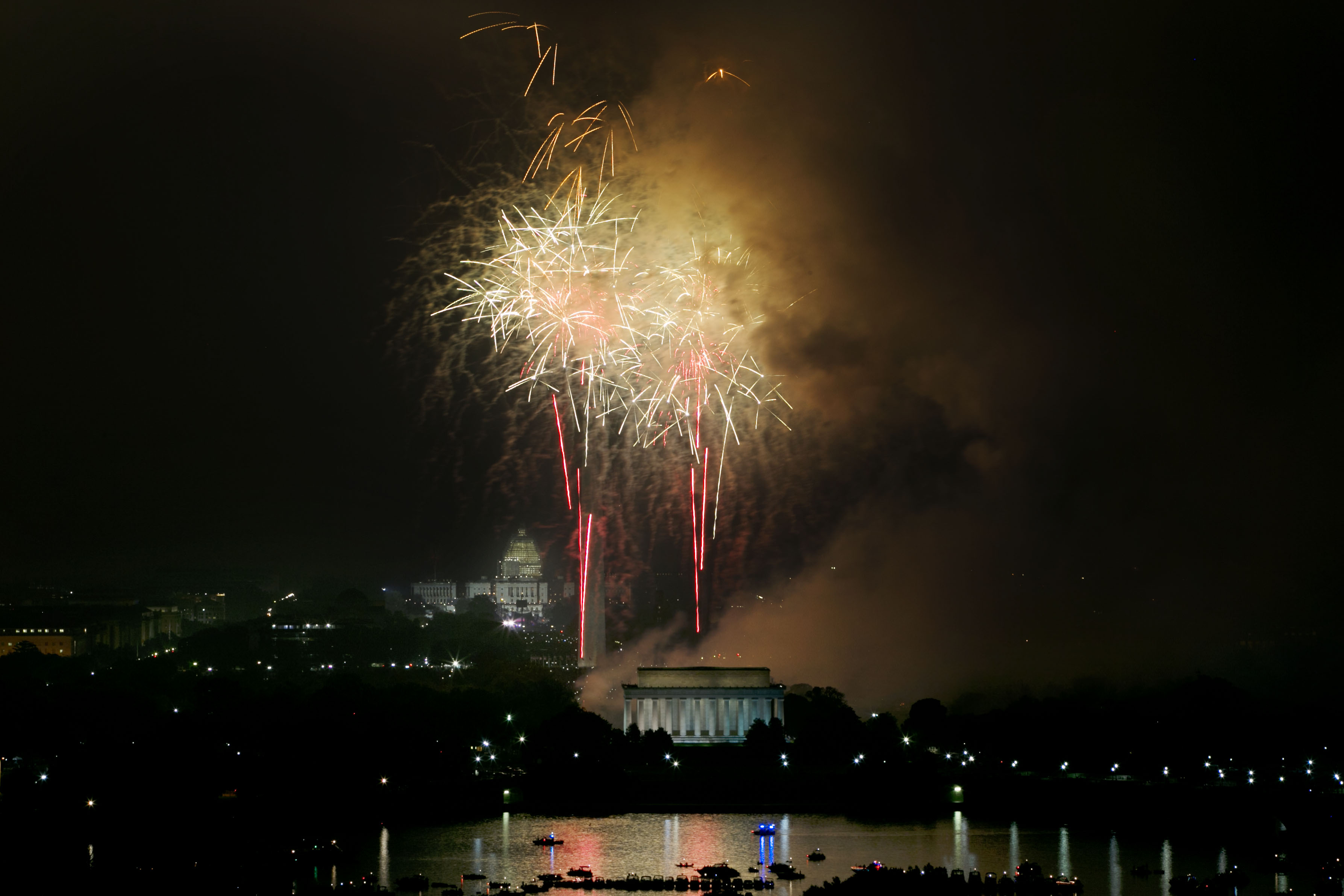 Rain postpones some D.C.-area fireworks shows