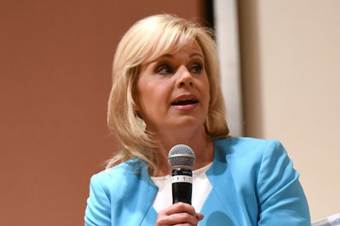 Gretchen Carlson: Harassing language by Roger Ailes was 'continuous'