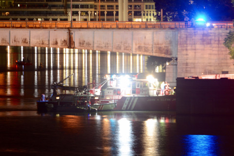 Police ID 1st victim found in car submerged in Potomac River