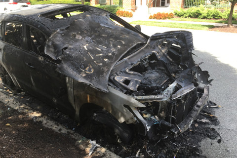 3 cars go up in flames in Rockville, damaging nearby homes