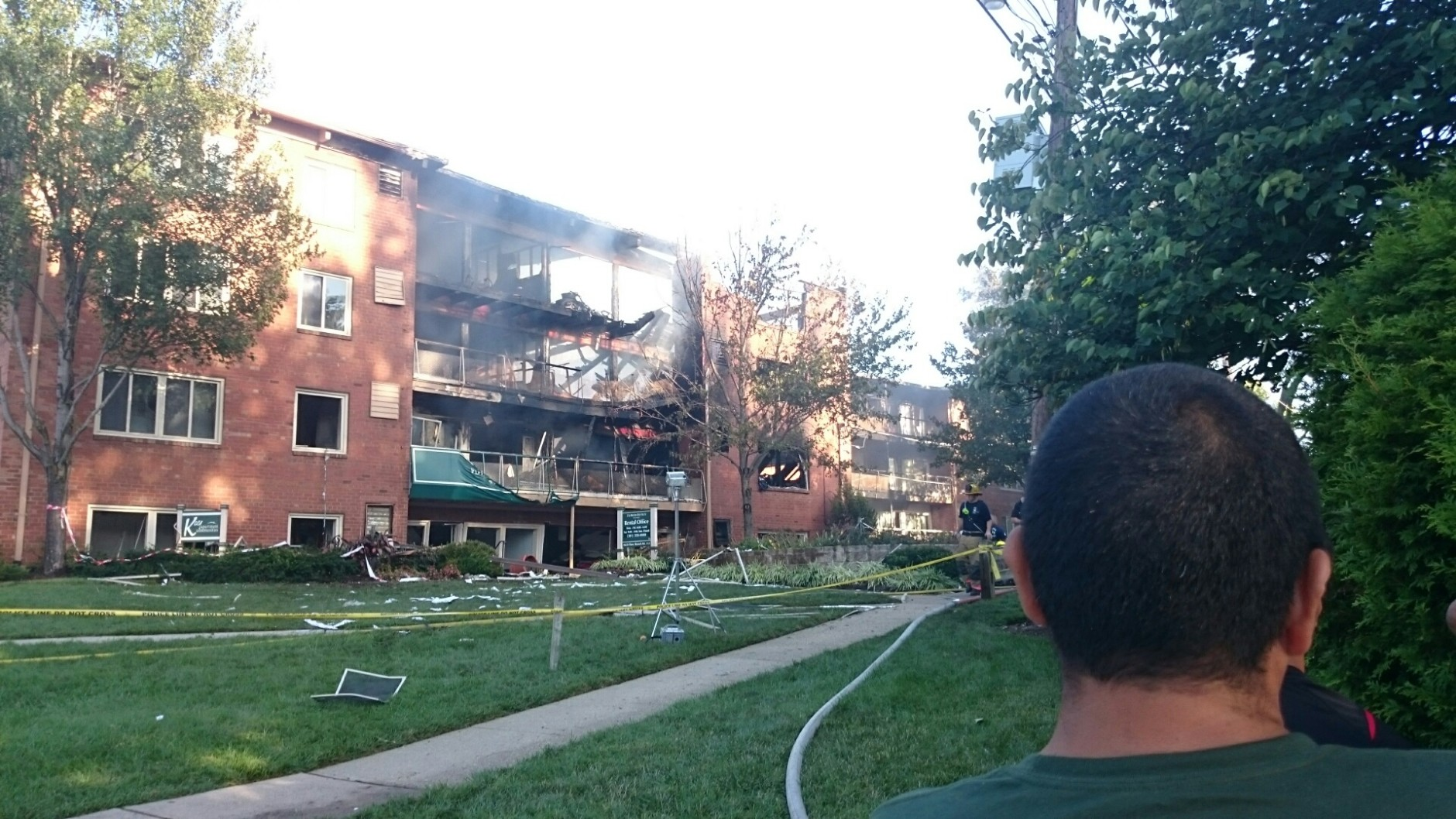 The aftermath of the explosion and fire at the Flower Branch apartment complex. (WTOP/Dennis Foley)