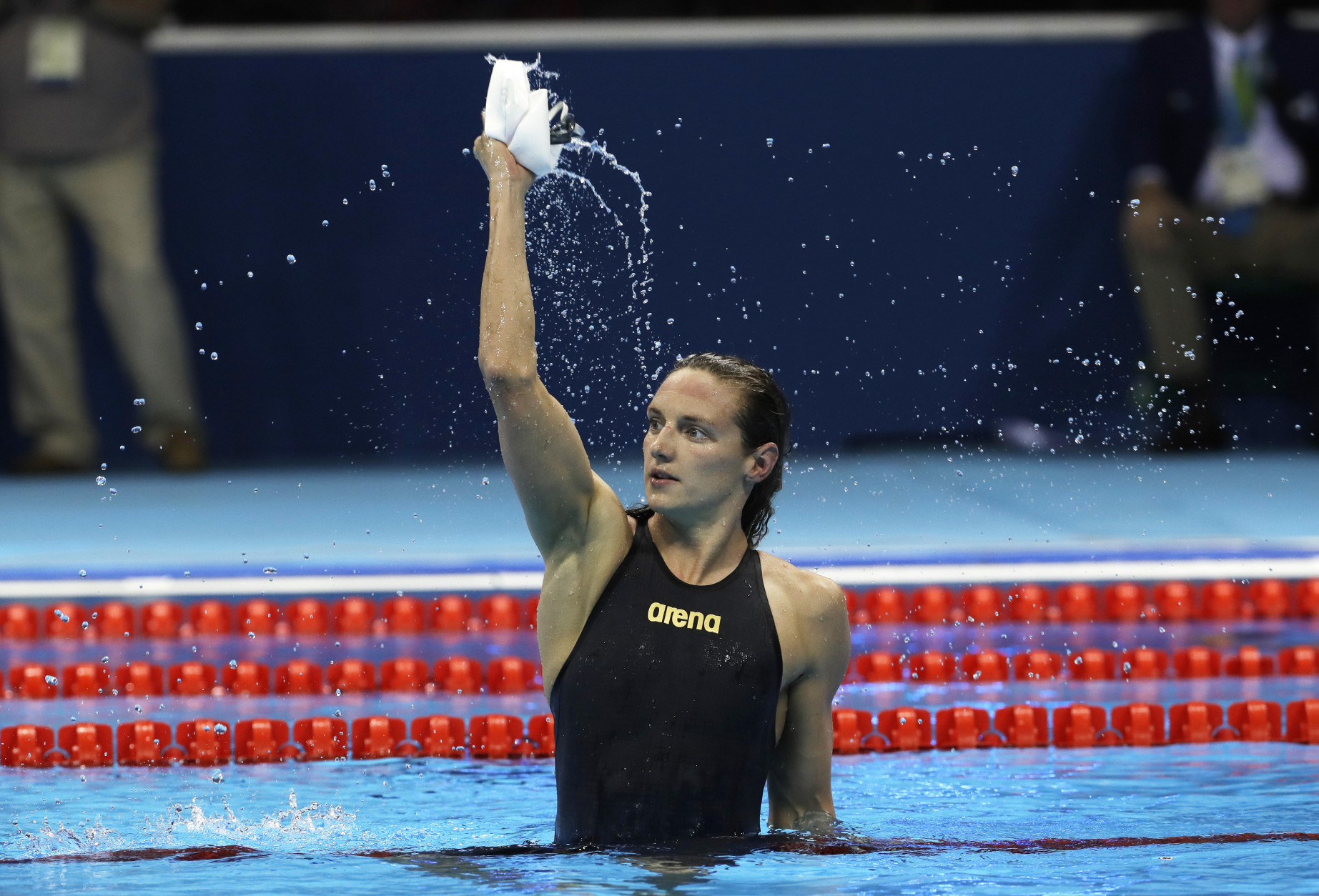 Hungary's Katinka Hosszu celebrates after setting a new world record and winning the gold medal in the women's 400-meter individual medley final during the swimming competitions at the 2016 Summer Olympics, Saturday, Aug. 6, 2016, in Rio de Janeiro, Brazil. (AP Photo/David J. Phillip )