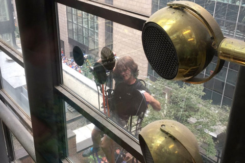 Man is trying to scale Trump Tower in NYC using suction cups