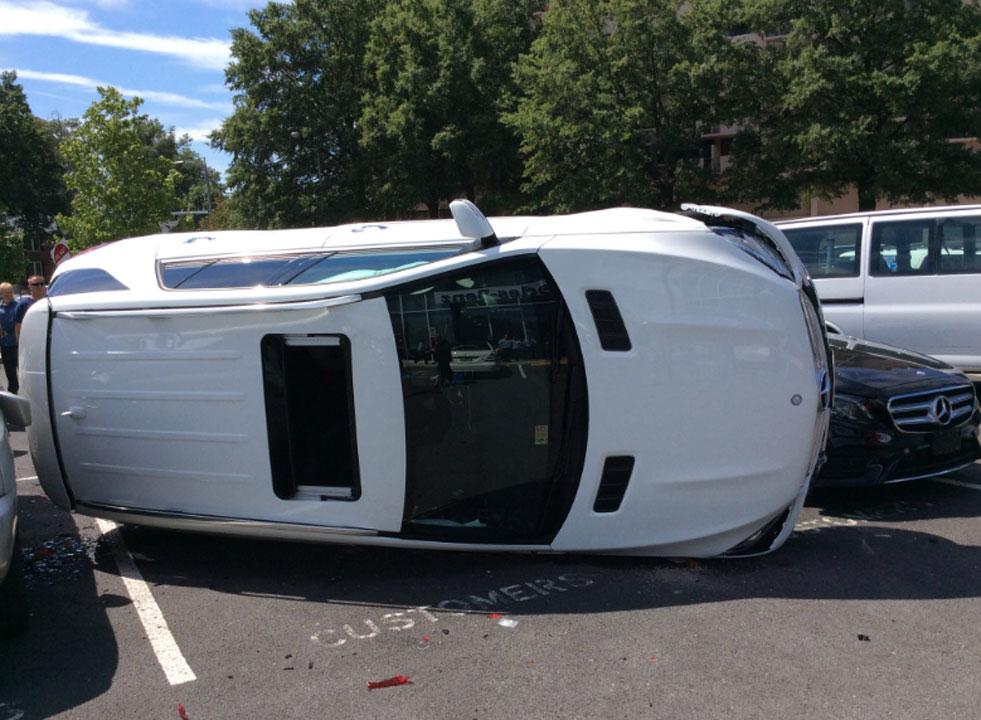Woman crashes flips suv during test drive at mercedes for Mercedes benz of arlington arlington va