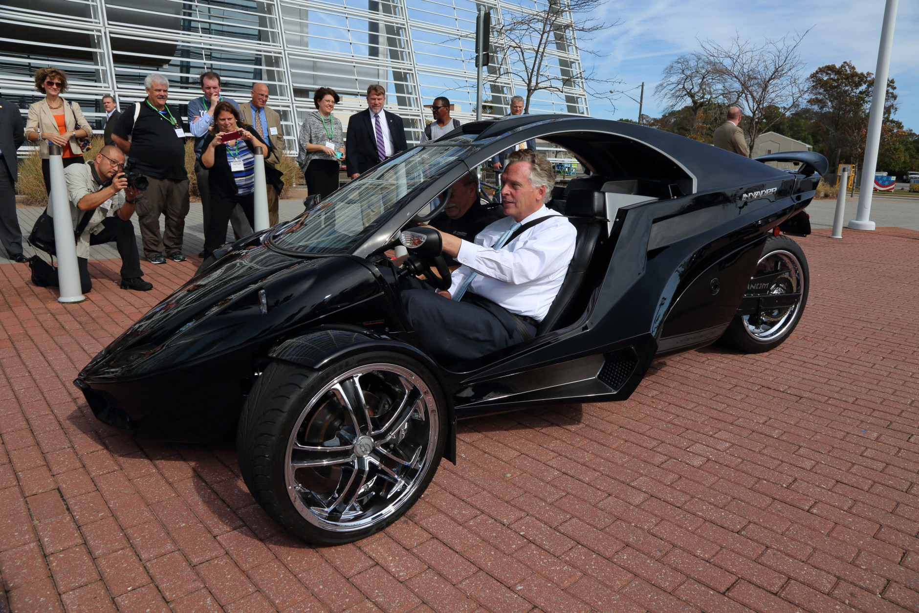 Virginia Gov. Terry McAuliffe test drives a Tanom Motors Invader at the Virginia 2015 Governor's Transportation Conference. (Photo by D. Allen Covey, VDOT/D. Allen Covey)
