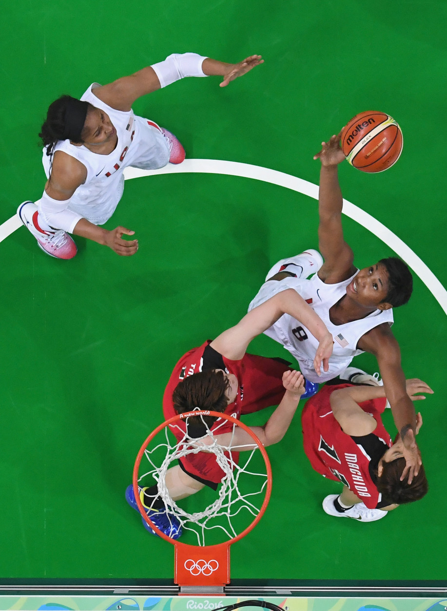 RIO DE JANEIRO, BRAZIL - AUGUST 16: Angel Mccoughtry #8 of United States shoots during the Women's Quarterfinal match against Japan on Day 11 of the Rio 2016 Olympic Games at Carioca Arena 1 on August 16, 2016 in Rio de Janeiro, Brazil.  (Photo by Pool/Getty Images)