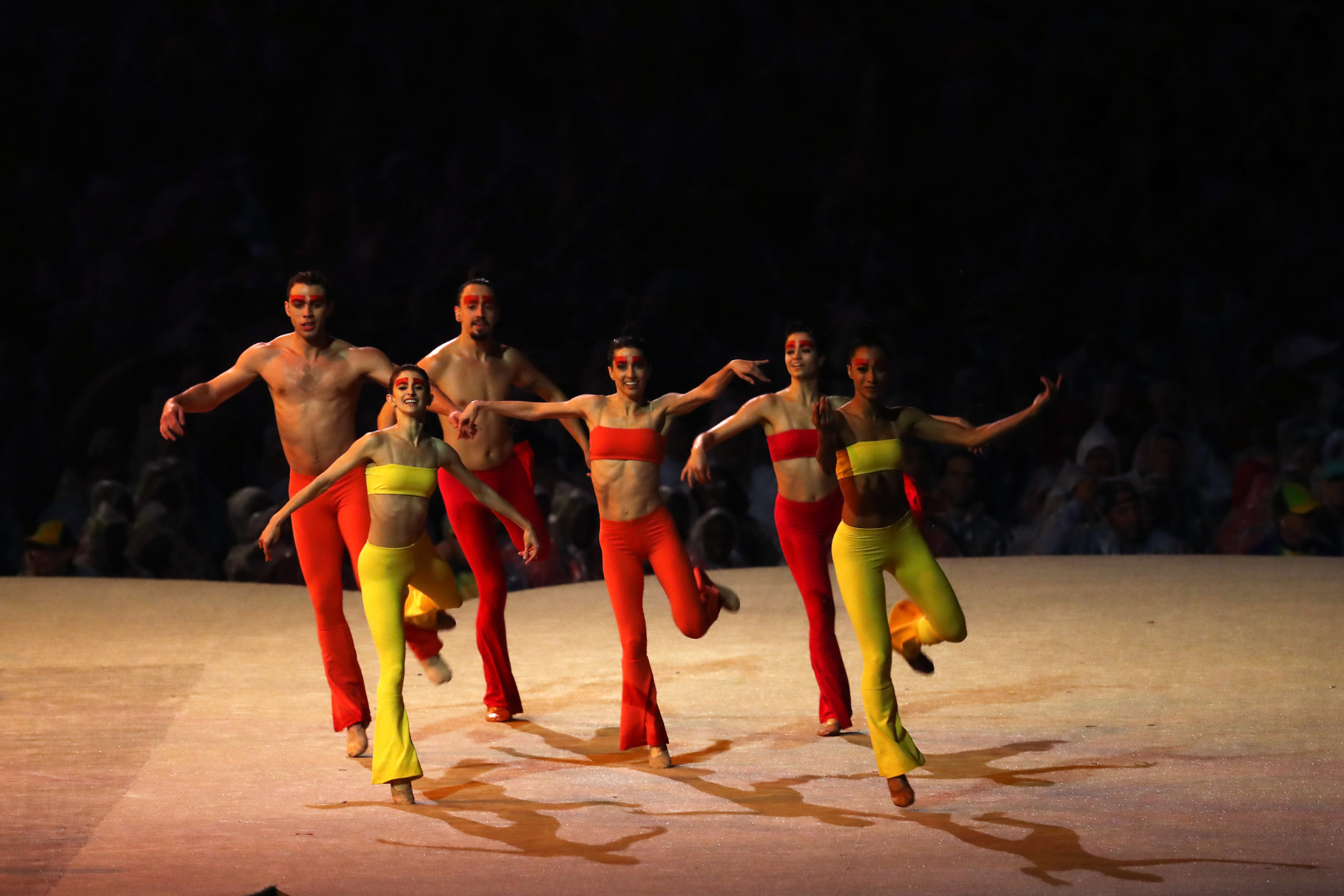 RIO DE JANEIRO, BRAZIL - AUGUST 21:  Contemporary dance group Grupo Corpo perform a segment of their show Parabelo in the 'Bringing Clay to Life' segment during the Closing Ceremony on Day 16 of the Rio 2016 Olympic Games at Maracana Stadium on August 21, 2016 in Rio de Janeiro, Brazil.  (Photo by Alexander Hassenstein/Getty Images)
