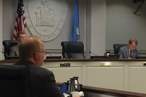Fairfax City council votes unanimously for new interim mayor
