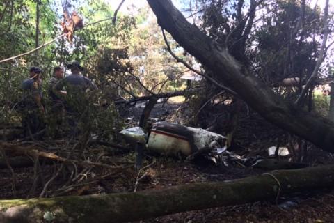 6 dead in plane crash outside Fredericksburg