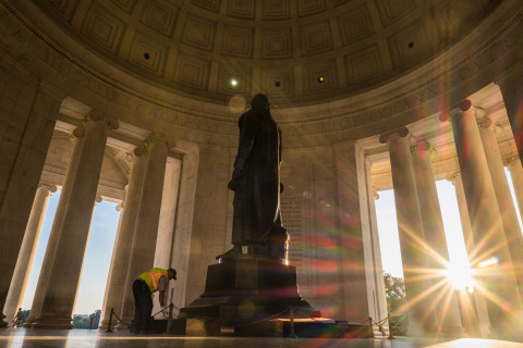 NPS ready to battle grimy biofilm coating on Jefferson Memorial