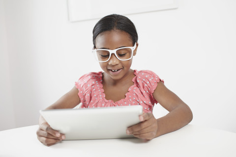 New eye center aims to treat nearsightedness in kids