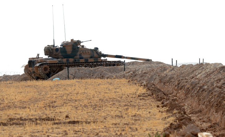 Explosions as Turkey clears mines from Syrian border