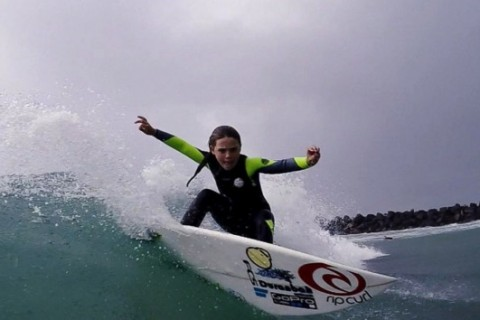 7-year-pld phenom 'Flying Squirrel' takes surfing world by storm
