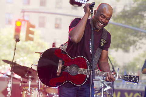 Gone Country: Darius Rucker brings Nashville Hootie to Va.