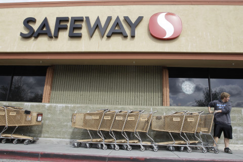 Safeway brings gas rewards back, this time with Sunoco