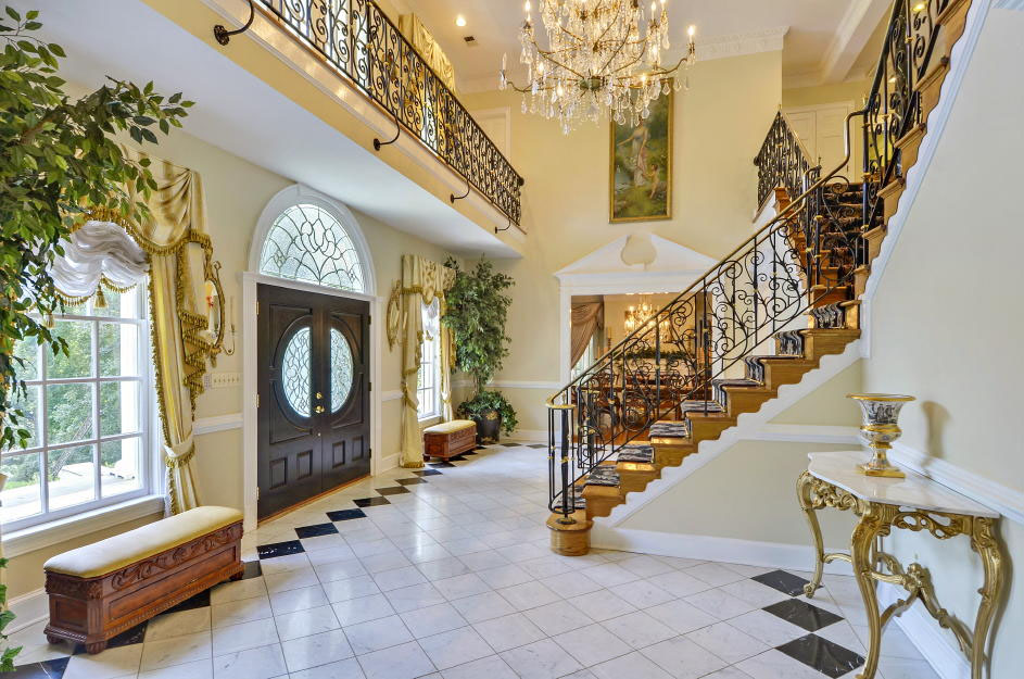 """An interior view of the """"White House on Georgetown Pike,"""" a McLean,Virginia, mansion going up for auction next month. (Photo courtesy Tranzon Fox)"""