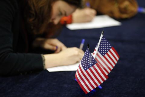 Absentee voting now underway in Virginia