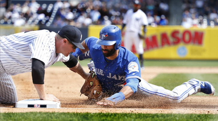 Blue Jays drop second straight with late stumble against Yankees