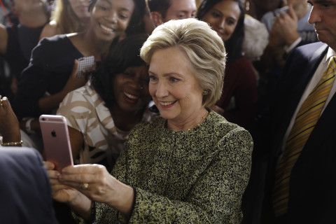 Clinton pivots to millennial voters, knows they have 'questions about me'